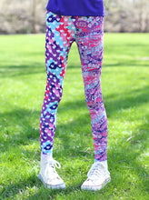 Load image into Gallery viewer, BE FEARLESS HEART CAMO LEGGINGS