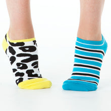 Load image into Gallery viewer, LEOPARD & STRIPE REVERSIBLE LINER SOCKS