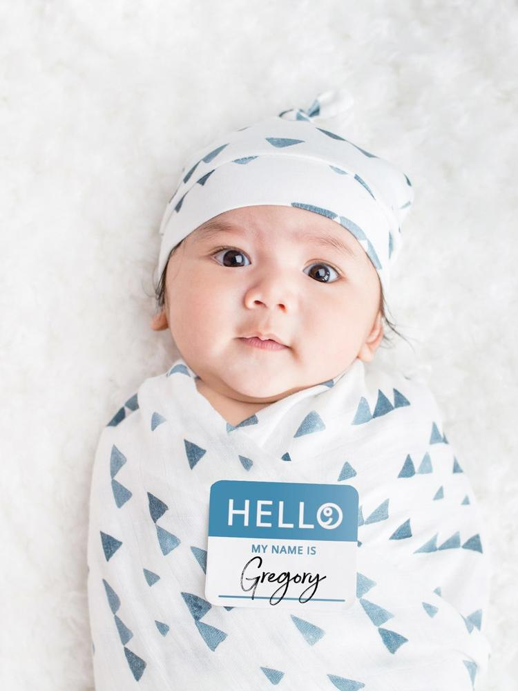 Lulujo - Bamboo Hat and Swaddle Blanket - Navy Triangles - Stylemykid.com