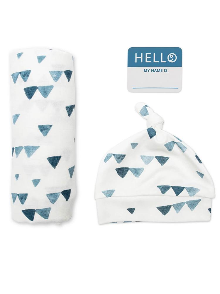 Lulujo - Baby Hat & Swaddle Blanket Name Announcement Set - Navy Triangles - Stylemykid.com