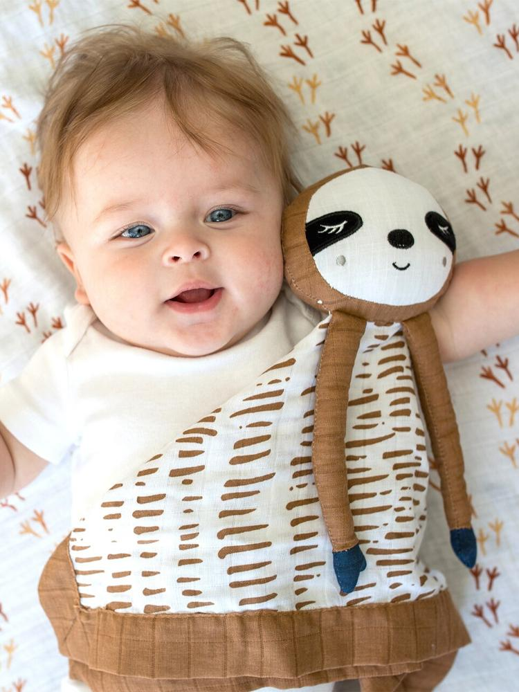 Lulujo - Cotton Baby Muslin Lovie - Sloth - Stylemykid.com