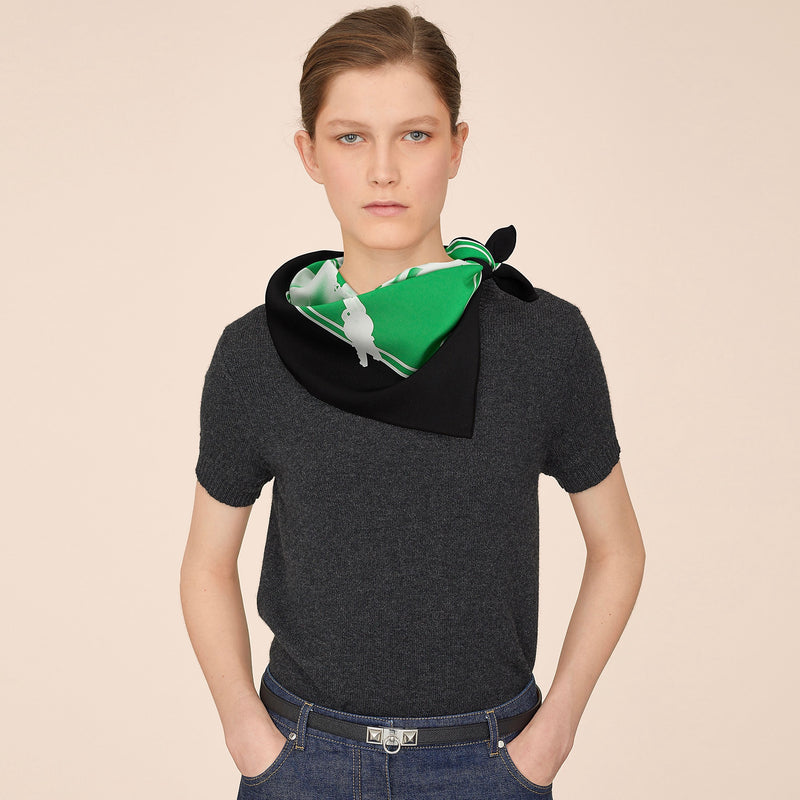 Hermes Please, Check-in scarf
