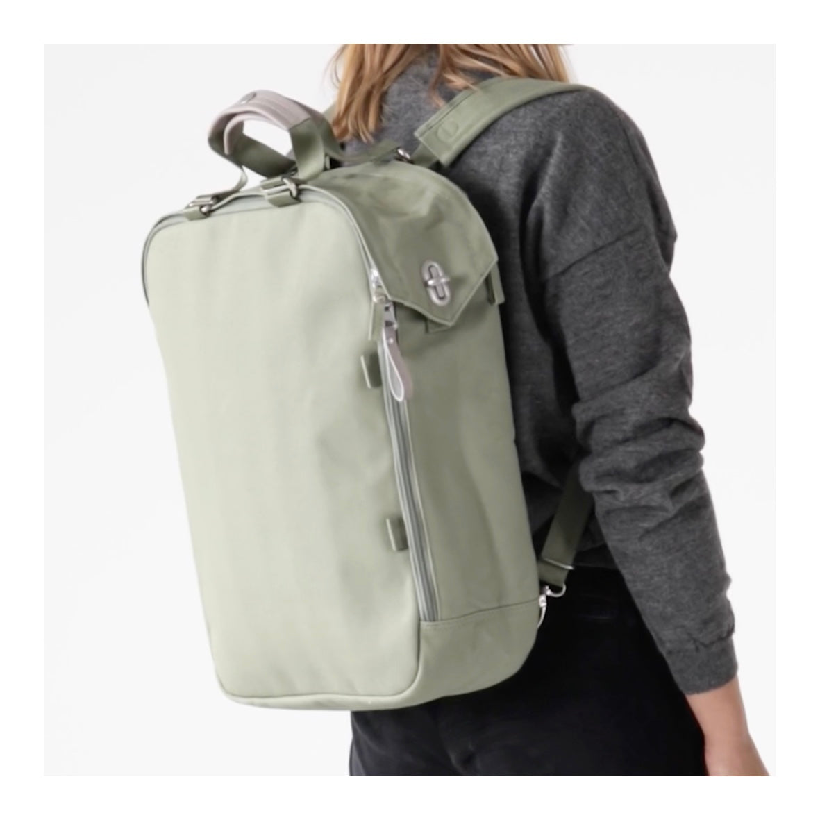 Qwstion Daypack