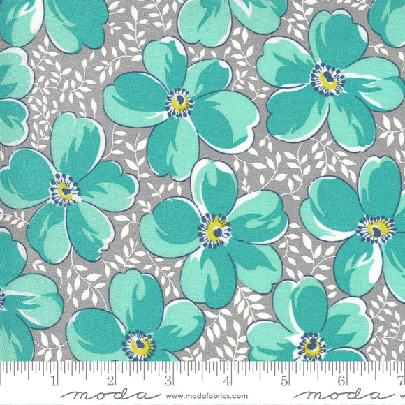 Foggy (23330 12) - Flowers For Freya by Linzee Kull McCray for Moda Fabrics
