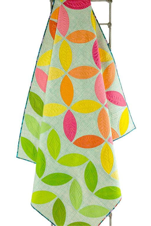 Mod Citrus quilt pattern by Sew Kind of Wonderful - Quick Curve