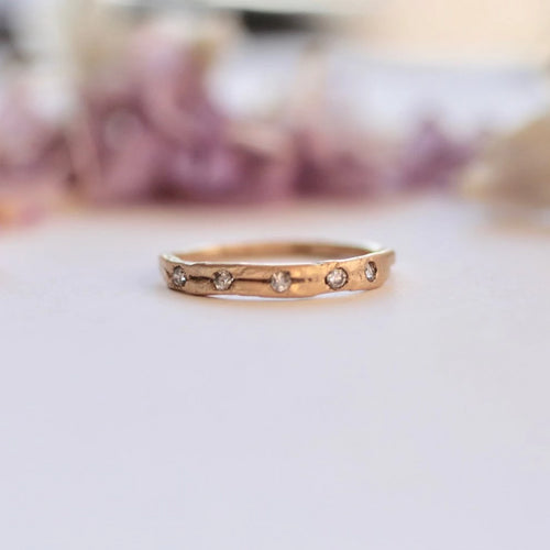 14k-gold-wedding-band-with-diamonds