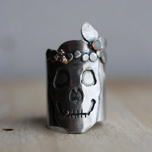 womans-sterling-silver-skull-ring-with-crown