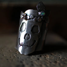 Load image into Gallery viewer, sterling-silver-skull-ring-with-crown