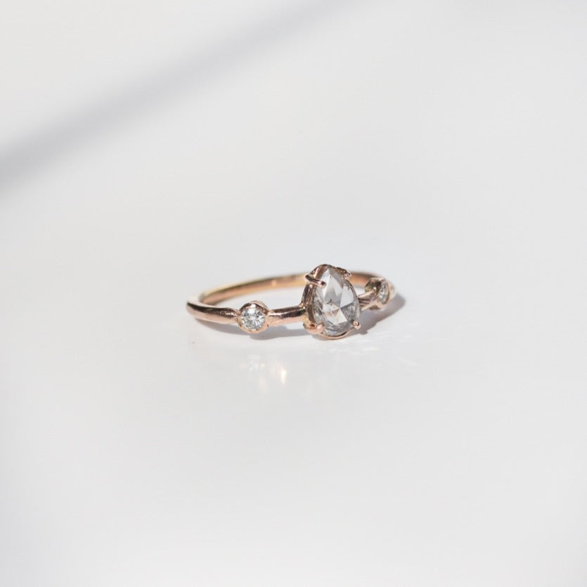 Rosegold-rosecut-pear-shaped-diamond-ring