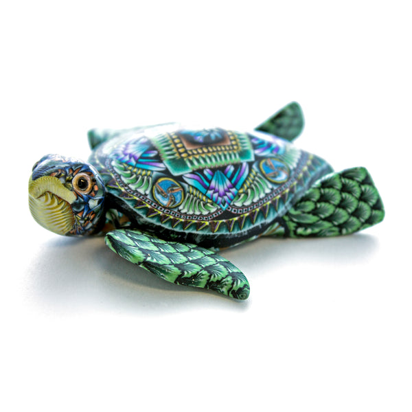 Fioré Sea Turtle Sculpture Small