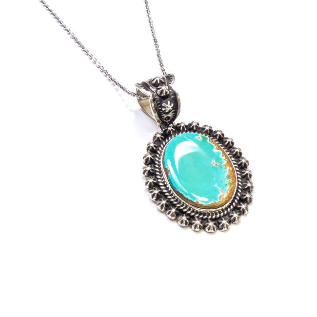 SS Turquoise w/ Flower & Rope Border Necklace
