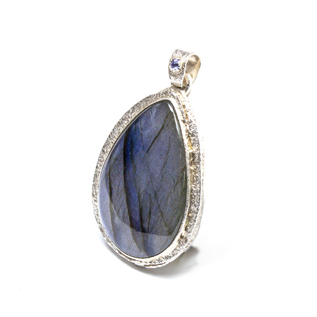 SS Hammered Labradorite Pear Pendant