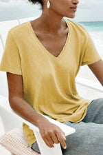 Solid V-neck Curved Hem Casual T-shirt