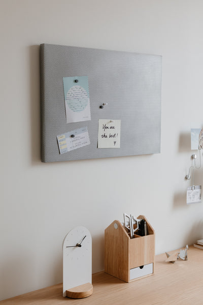 office board, bulletin board, magnet board