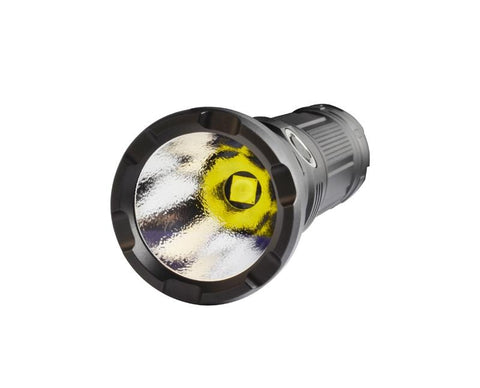 The G20L uses the latest CREE XHP70 P2 LED to output 3000 lumens