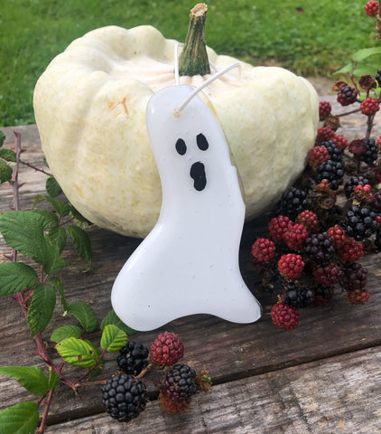 Ghostly ghost hanging decorations