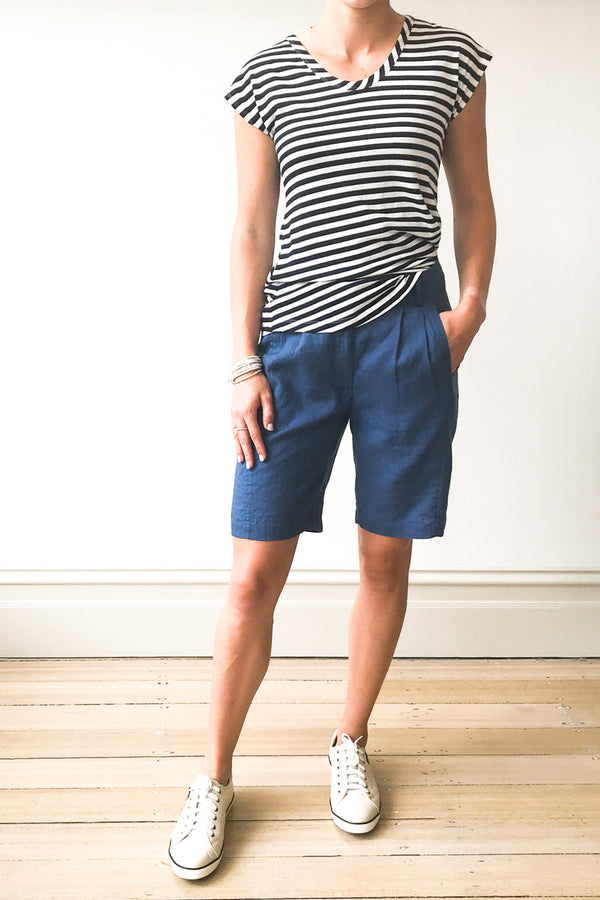 Tailored Short, Light Navy