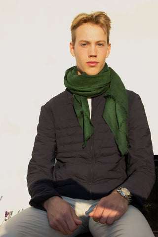 Green scarf in 100% pure soft wool