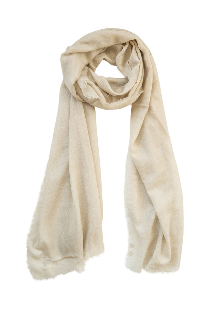 Cashmere stole in soft beige