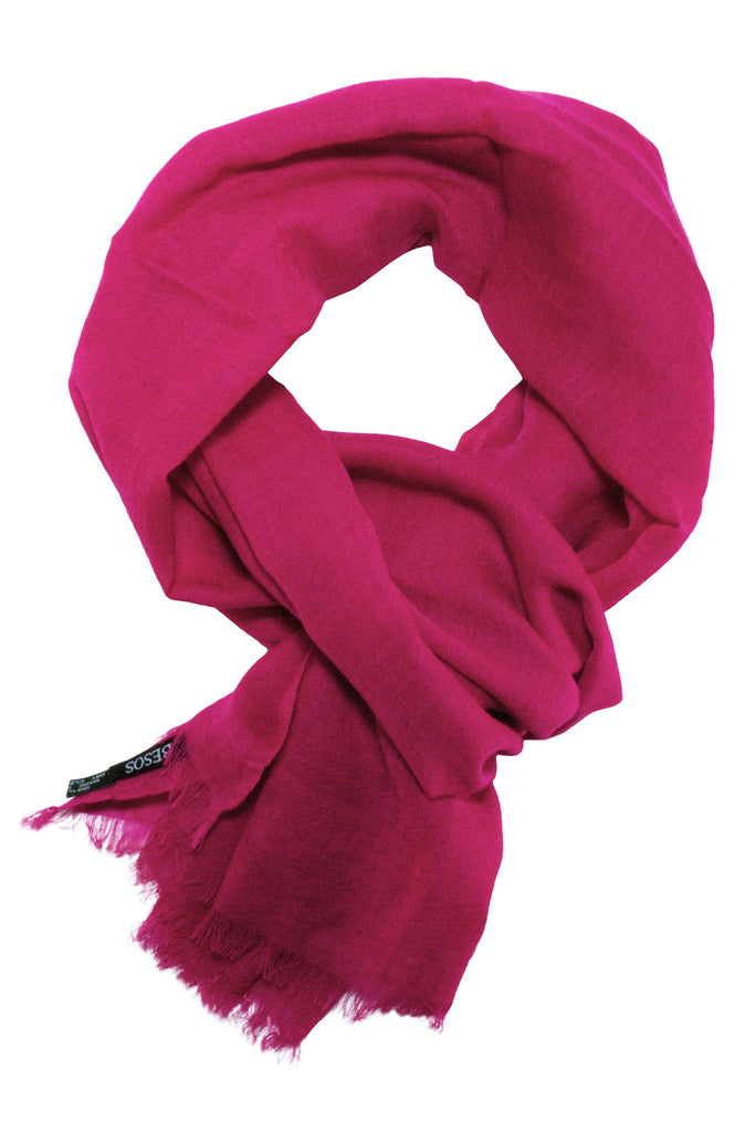 Casual scarf in a beautiful fuchsia colour