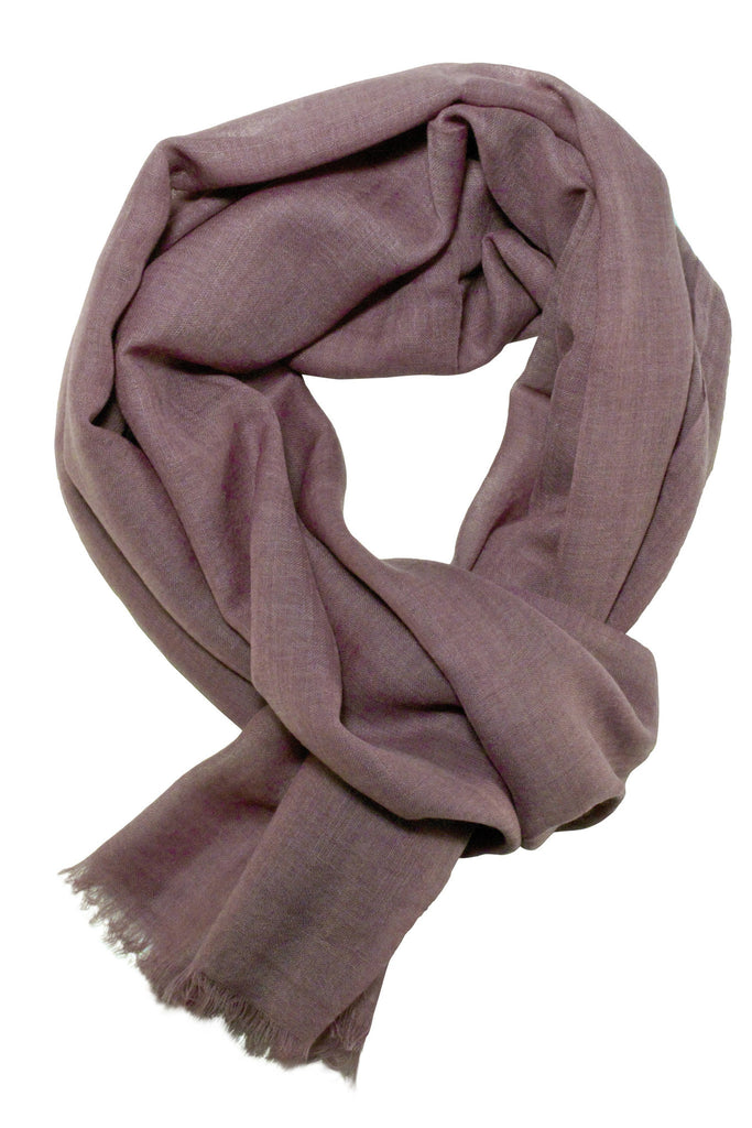 Casual scarf in a beautiful taupe colour
