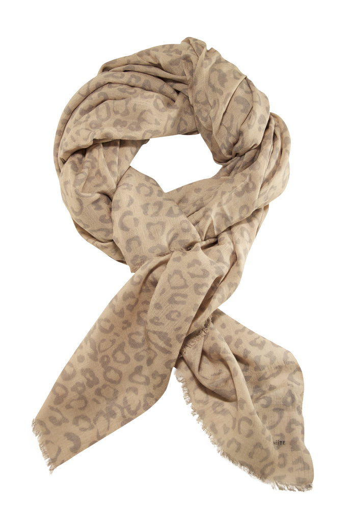 Leopard scarf in delicate nuances from Whiite
