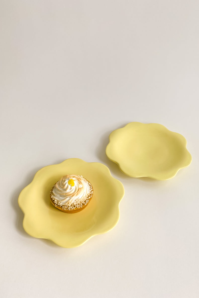 Italian Yellow Flower Shaped Plates