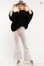Load image into Gallery viewer, Handmade Chunky Knit Sweater
