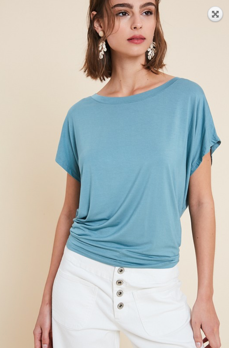 OPEN-BACK BASIC T-SHIRT