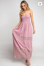 Load image into Gallery viewer, SLEEVELESS SMOCKED LACE MAXI DRESS