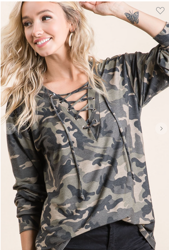 CAMOUFLAGE FRENCH TERRY V NECK TOP