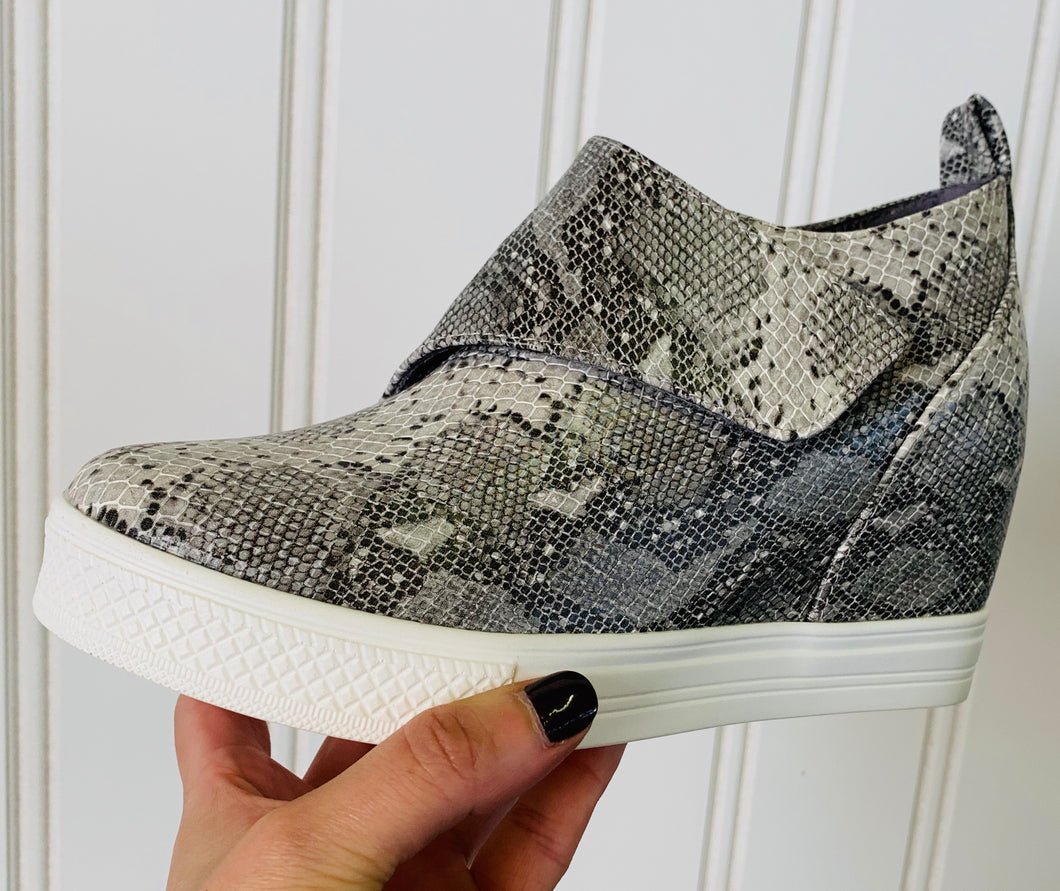 Snakeskin Wedge Shoes