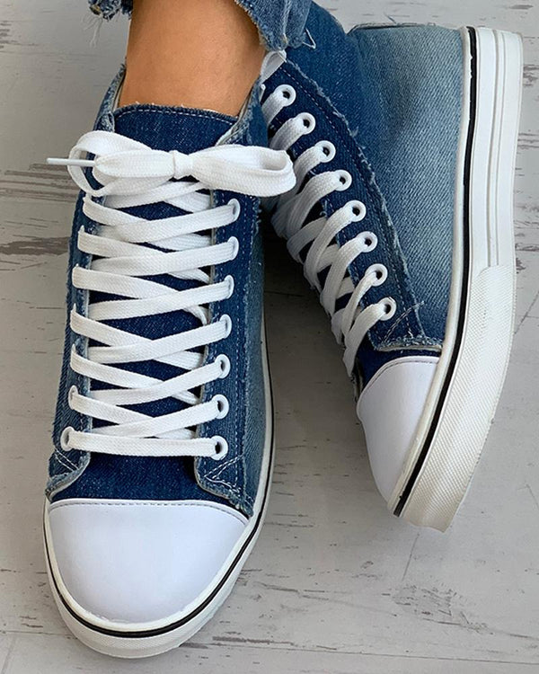 Gradient Color Eyelet Lace-up Canvas Sneaker