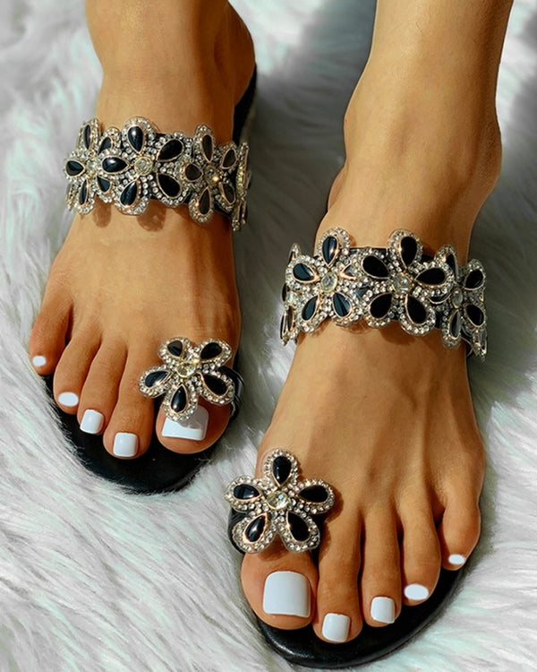 Toe Ring Beaded Floral Design Flat Sandals