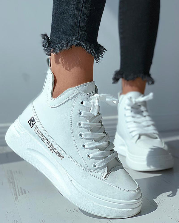 Letter Print Eyelet Lace-up Casual Sneaker