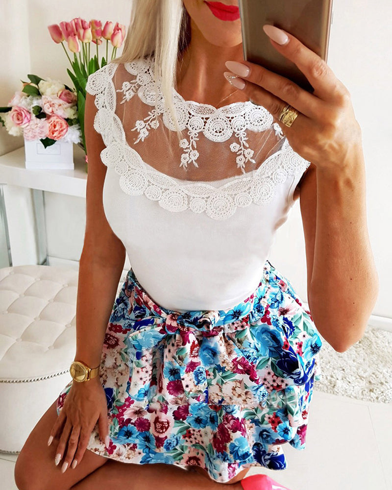 Crochet Lace Sleeveless Blouse