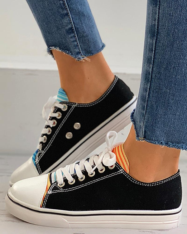 Striped Colorblock Eyelet Lace-up Sneaker