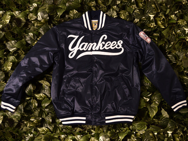 Mitchell & Ness Authentic '1999 Yankees' Satin Jacket [5542-418-99NYY]