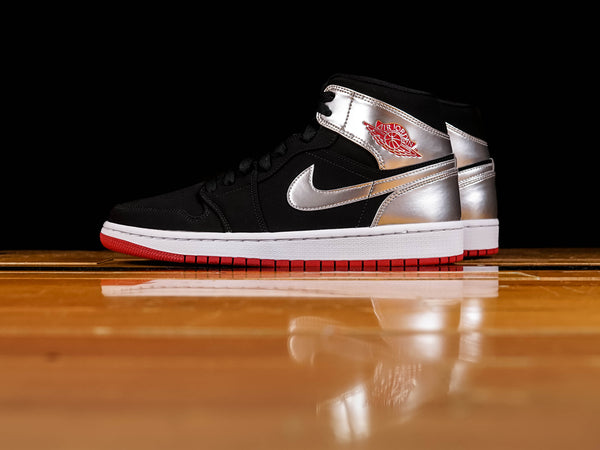 Men's Air Jordan 1 Mid [554724-057]