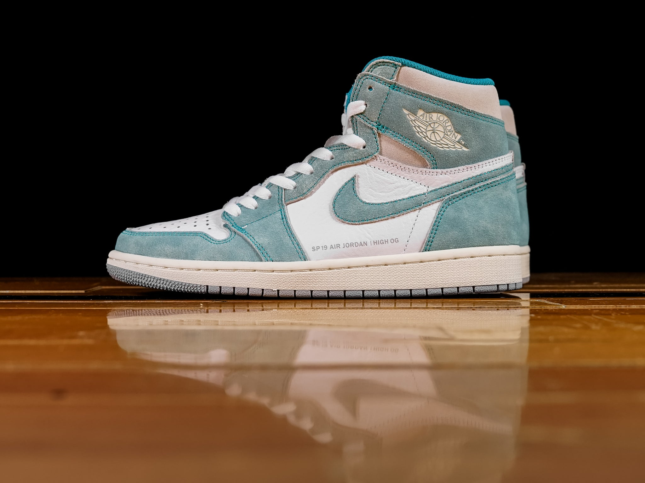 a34326f593b Men s Air Jordan 1 Retro High OG  Turbo Green