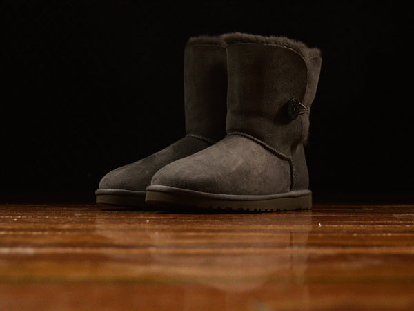 UGG Womens Bailey Button I Boots