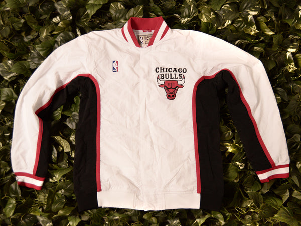 Mitchell & Ness Authentic 1992 Bulls Warmup Jacket [6056A-300-92CBU]