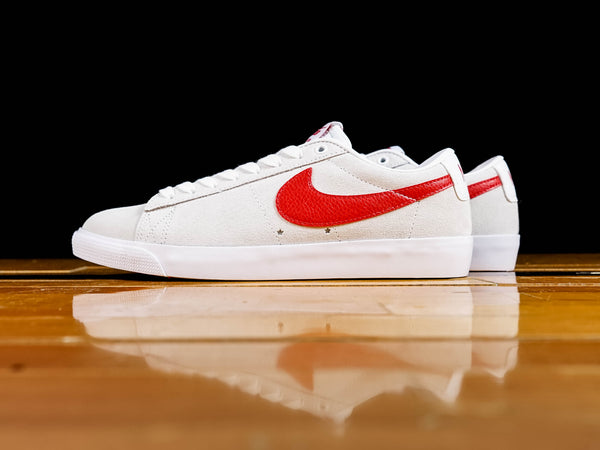 Men's Nike SB Blazer Low GT [704939-101]
