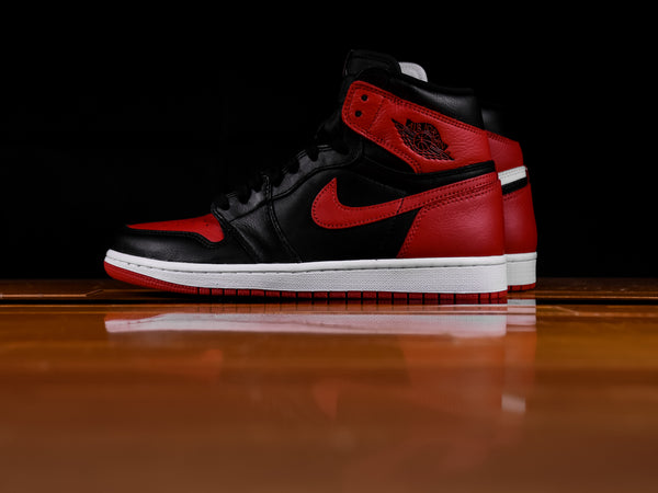 Air Jordan 1 Retro High OG 'Homage to Home' [861428-061]