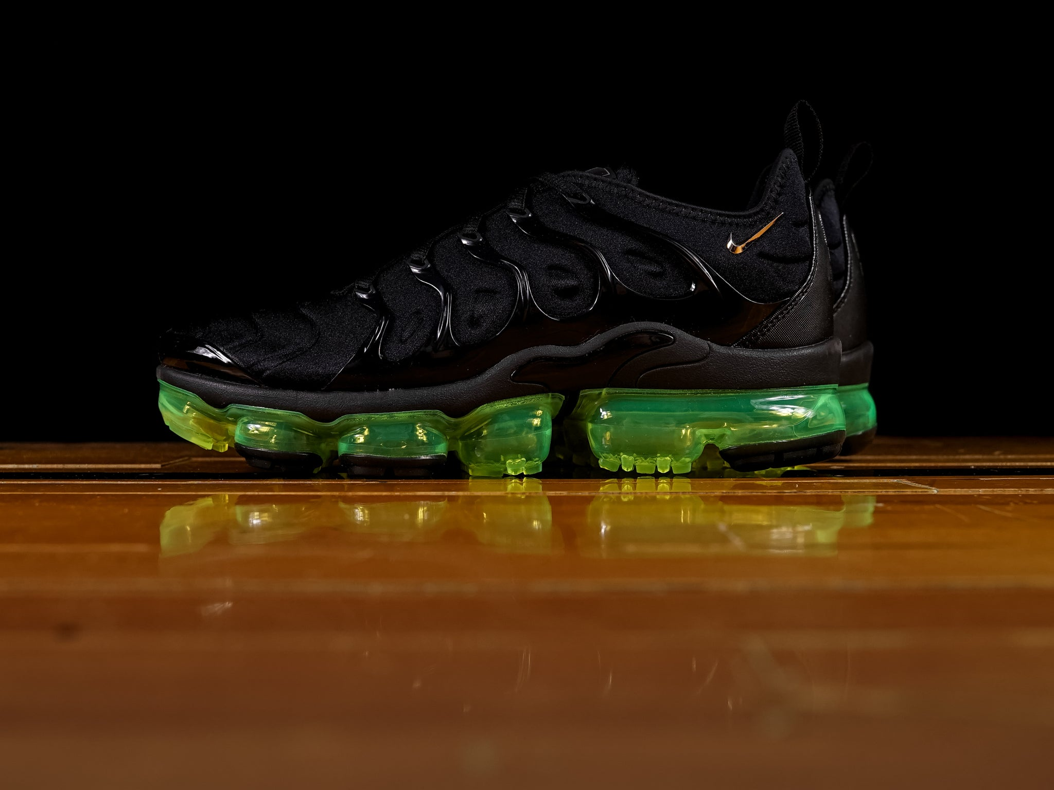 Men s Nike Air Vapormax Plus  Volt   50aa50e0e