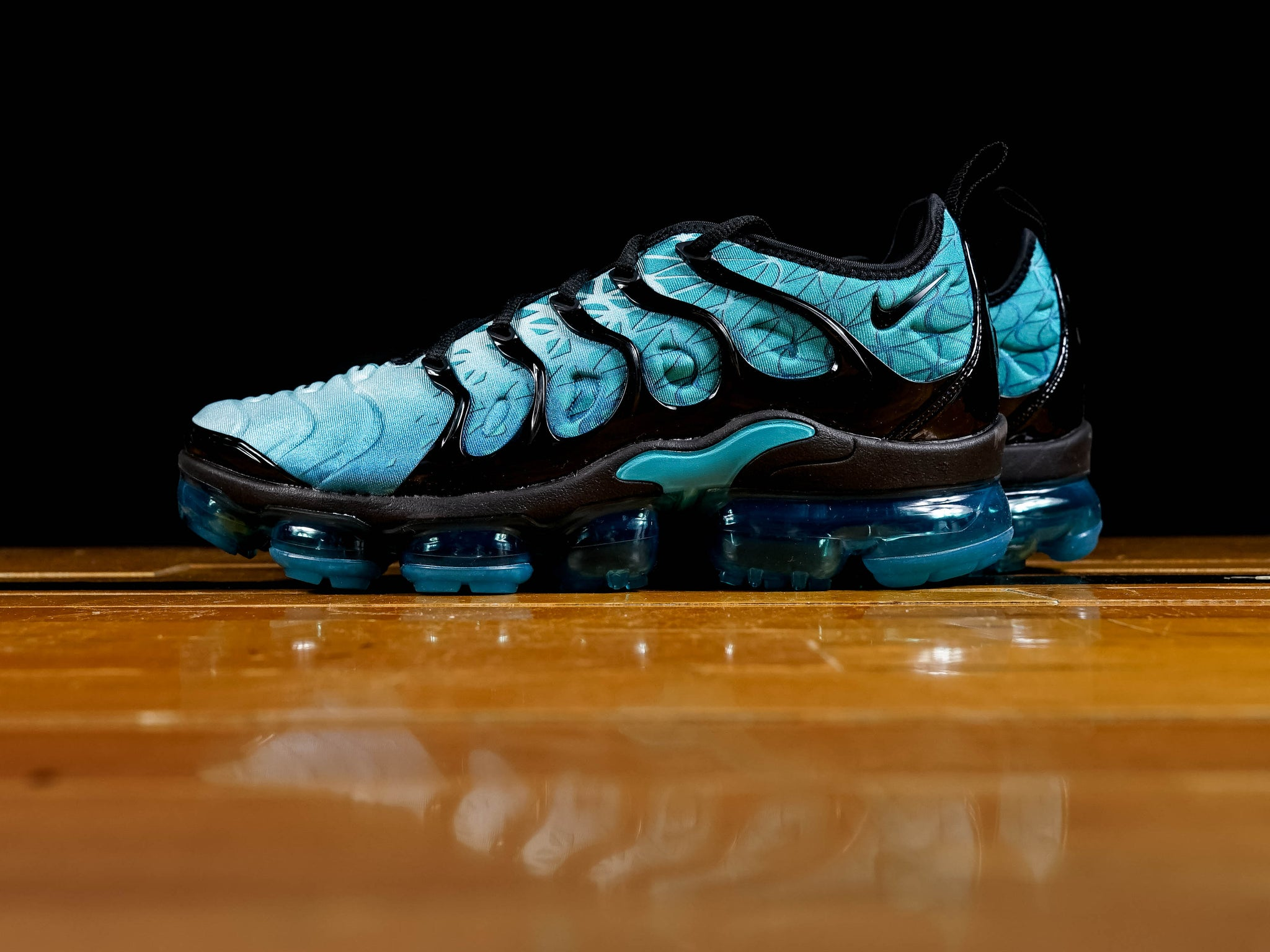 watch 41b91 09058 Men's Nike Air Vapormax Plus [924453-301]