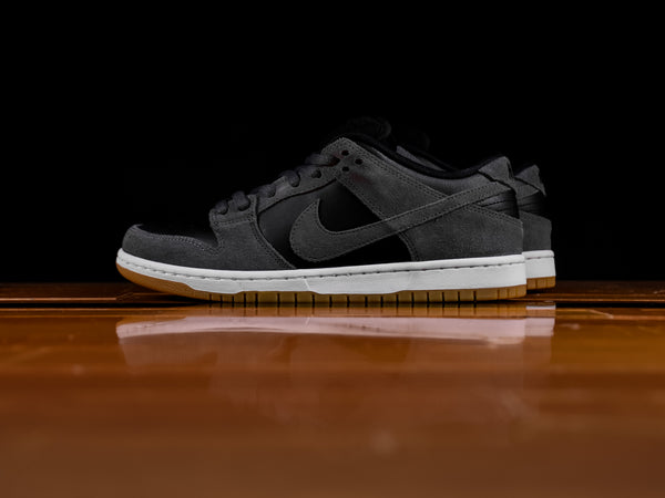 Men's Nike SB Dunk Low TRD [AR0778-001]