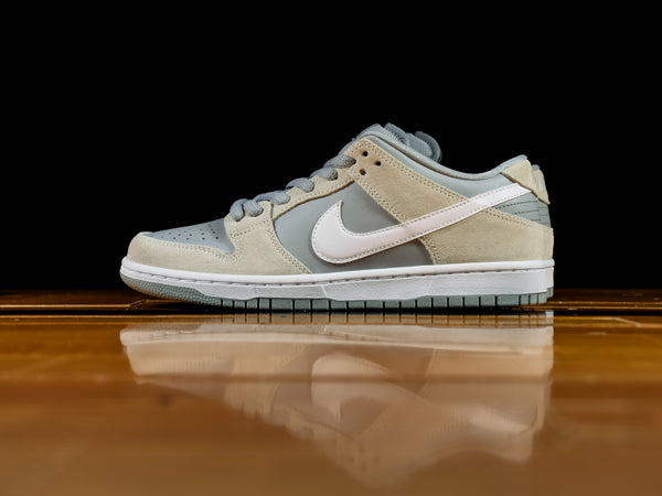 Men's Nike SB Dunk Low TRD [AR0778-110]