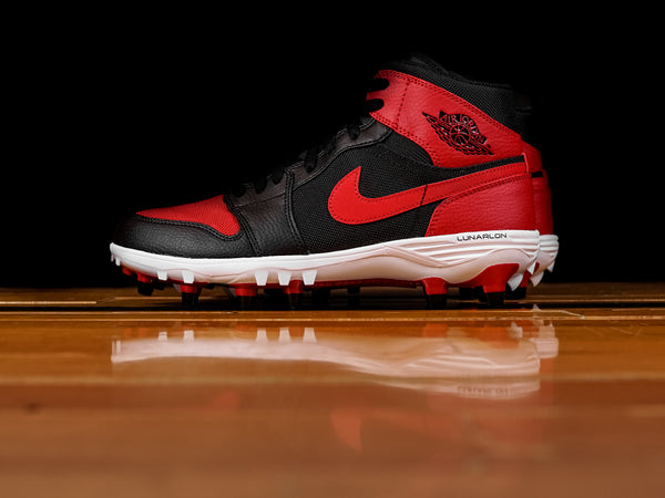 Men's Air Jordan Retro 1 TD Mid Cleat 'Bred' [AR5604-061]