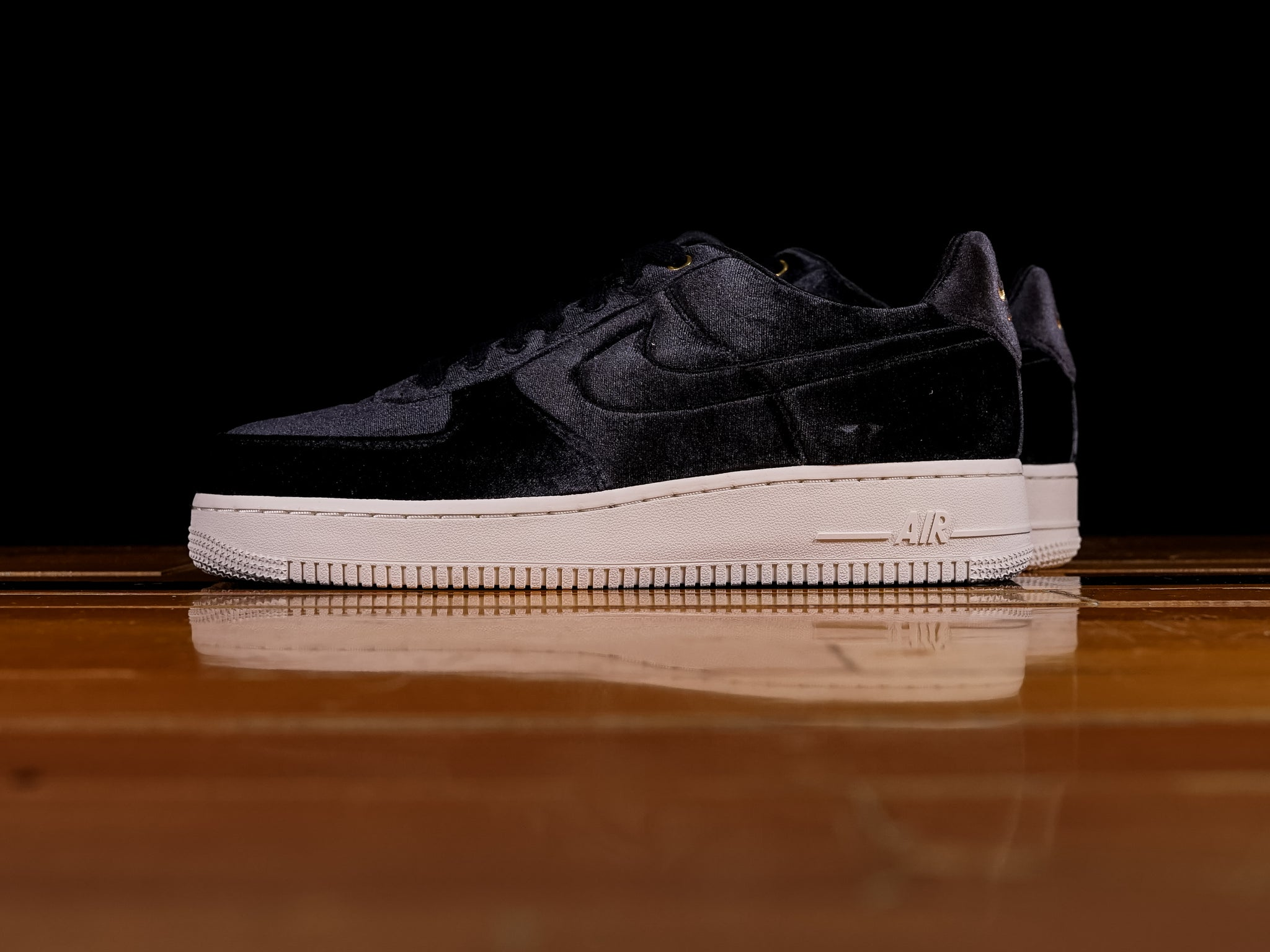 wholesale dealer 50ed9 2f0d2 Mens Nike Air Force 1 Low Premium Velour AT4144-001  Renarts